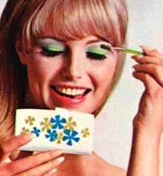Max Factor Shadow Fling Eyeshadow Compact 1960's