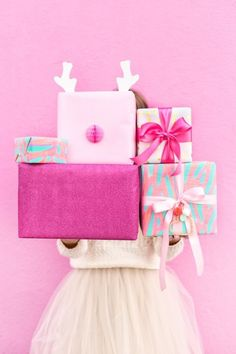 Four Awesome Holiday Gift Wrap Pairings   http://studiodiy.com