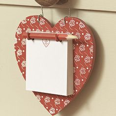 DIY Wooden jigsaw Heart hanger with notepad. Wooden Crafts, Diy And Crafts, Arts And Crafts, Paper Crafts, Diy Projects To Try, Wood Projects, Valentine Crafts, Christmas Crafts, Decoupage
