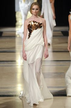 Stéphane Rolland at Couture Spring 2011. http://votetrends.com/polls/1239/share #designer #gown #high fashion #couture