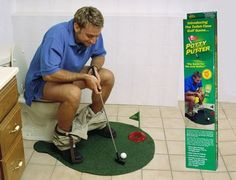 Potty Putter, toilet golf game ,novel mini golf toys,which lets you practice your putting while going to the bathroom. Set Wc, Gifts For Dad, Fathers Day Gifts, Dad Presents, Birthday Presents, 50th Birthday, Mini Golf Set, Cool Gifts, White Elephant Gift