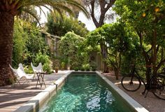 Home Tour: An Idyllic French Riviera Hideaway - Italian architect Piercarlo Dondona creates a light-filled haven for a design-savvy young couple in the hills of Nice. Garden Swimming Pool, My Pool, Swimming Pool Designs, French Pool, Outdoor Spaces, Outdoor Living, French Riviera Style, Minimalist Garden, Plunge Pool