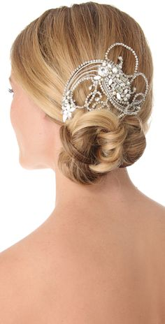 Jenny Packham Valentine comb. A perfect wedding hair accessory for a vintage wedding or any wedding for that matter www.finditforweddings.com
