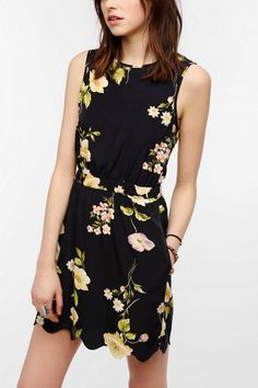 byCORPUS Silky Scallop Hem Dress