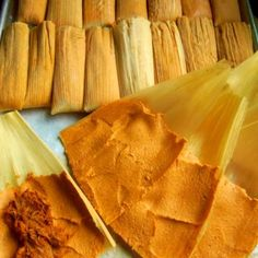 Chile Colorado Pork Tamales Tamal de Puerco This is truly the one tamal recipe that I remember the most from my childhood. The only difference is that I am using masa harina to prepare the masa because that is all that is available to Chile Colorado, Authentic Mexican Recipes, Mexican Food Recipes, Authentic Tamales Recipe, Mexican Desserts, Dinner Recipes, Spanish Recipes, Drink Recipes, Dinner Ideas