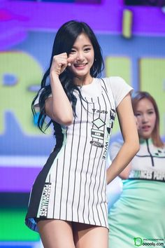 "160426 Chewy @ ""Cheer Up"" Comeback Showcase Pretty Asian, Beautiful Asian Girls, Nayeon, K Pop, Korean Beauty, Asian Beauty, Tzuyu Body, Dahyun, Kpop Outfits"