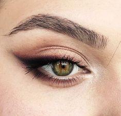 eye makeup for brown eyes . eye makeup for blue eyes . eye makeup tips . eye makeup tutorial for beginners Makeup Hacks, Makeup Goals, Makeup Inspo, Makeup Inspiration, Makeup Ideas, Makeup Routine, Skincare Routine, Makeup Geek, Witch Makeup