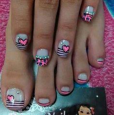 Decoración de uñas de los pies [181 diseños hermosos] Sun Nails, Feet Nails, Sparkle Nails, Hair And Nails, Pedicure Designs, Toe Nail Designs, Love Nails, Pretty Nails, Valentine Nail Art