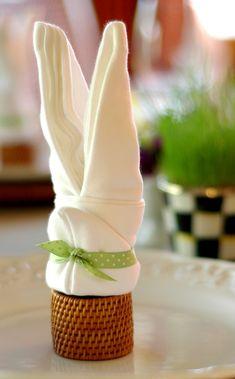 tischdeko ostern servietten falten ostersymbole hase