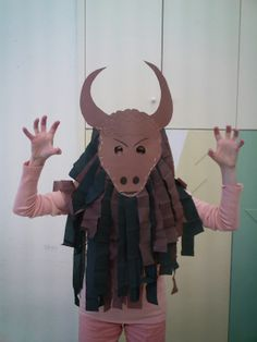 Ancient Greece--Minotaur costume for kids -- ? Ancient Greece Display, Ancient Greece Crafts, Ancient Greece For Kids, Ancient Greek Art, Ancient Greece Ks2, Greek History, Ancient History, Art History, Greek Myths For Kids