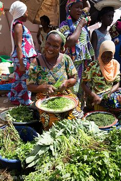 Brikama market (The Gambia) by Tom Warburton