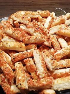 Sajtos rúd, ahogy mi szeretjük, hogy ez mennyire finom! - Egyszerű Gyors Receptek Rum, Shrimp, Bread, Recipes, Food, Hungarian Recipes, Kuchen, Brot, Recipies