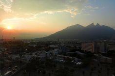 El Cerro de la Silla en la bella ciudad de Monterrey, México.