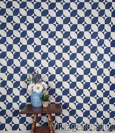 ANTIQUE 1880s Indigo Blue & White QUILT Graphic & Beautiful!