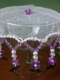 Imagem relacionada Creative Crafts, Diy And Crafts, African Crafts, Dining Decor, Ribbon Embroidery, Doilies, Embellishments, Projects To Try, Beaded Necklace