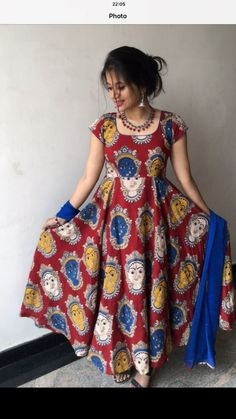 Dress designs for nilo Salwar Neck Designs, Kurta Neck Design, Kurta Designs Women, Dress Neck Designs, Designs For Dresses, Saree Blouse Designs, Kalamkari Dresses, Kalamkari Kurti, Kalamkari Designs