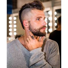 Check out this. Trendy Mens Hairstyles, Mohawk Hairstyles Men, Haircuts For Men, Men's Haircuts, Hairstyle Men, Formal Hairstyles, Hair And Beard Styles, Short Hair Styles, Viking Haircut
