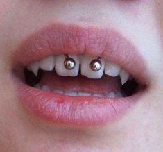 new Ideas piercing frenillo superior - - Smiley Piercing, Mouth Piercings, Cool Piercings, Piercings For Girls, Facial Piercings, Dermal Piercing, Piercing Tattoo, Snake Eyes Piercing, Tragus