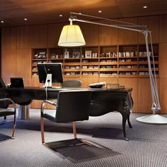 Superachimoon gulvlampe, Philippe Starck, Superachimoon gulvlampe med gul skærm