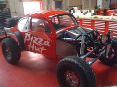 Modified and Custom Designed Baja Bug for Pizza Hut!  #pizza #carwraps #SkinzWraps #coolcars