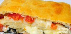 Pizza enrolada é uma das minhas receitas favoritas para fazer para as crianças, especialmente para o lanche da tarde. Delícia!!! Ingredientes Massa 500 g d