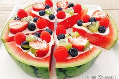 A fun twist on classic fruit salad - fresh watermelon slices topped with homemade dairy free coconut whipped cream, fresh berries, and mint. The perfect summertime and vegan party food! Watermelon Fruit Pizza, Watermelon Slices, Fruit Salad, Refreshing Desserts, Fun Desserts, Deviled Egg Potato Salad, Pizza Cups, Vegan Party Food, Keto