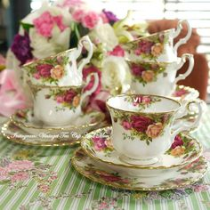 Classic Royal Albert Old Country rose