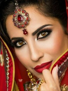 South Asian wedding makeup                                                                                                                                                                                 Mais