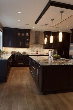 Prodigious Small kitchen cabinets with drawers ideas,Design kitchen island layout tricks and Small kitchen design layout ideas tricks. Home Decor Kitchen, Kitchen Furniture, Kitchen Interior, New Kitchen, Home Kitchens, Kitchen Ideas, Smart Kitchen, Awesome Kitchen, Kitchen Trends