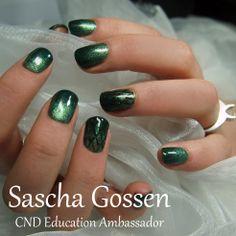 #CND #Shellac #CNDShellac #nailart #naildesign #SereenGreen #FrostedGlen #GildedGleam #additives #nails #winter #winternails #green #Charmed #GreenGoldSparkle #CharmedCollection