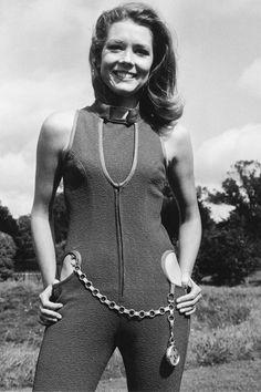 """Diana Rigg as Emma Peel of the TV series """"The Avengers"""" Emma Peel, The Avengers, Avengers Series, Patrick Macnee, James Bond Girls, Diana Riggs, Divas, Dame Diana Rigg, Retro Mode"""