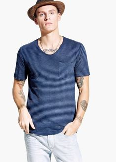 T-shirt jacquard à rayures | MANGO MAN
