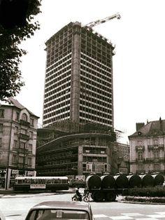 NANTES  la ville d'après guerre: NANTES la tour Bretagne