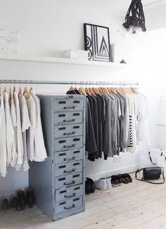 Een kledingrek is naast praktisch ook decoratief.