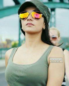 Kareena Kapoor, Deepika Padukone, Beautiful Indian Actress, Beautiful Women, Kajol Saree, Odeya Rush, Art Poses, India Beauty, Bollywood Actress