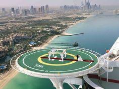 Heliponto do famoso hotel Burj al Arab, em Dubai, receberá cerimônias matrimoniais - 15 (© Abacapress)