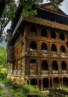 once beautiful timber house in Jhelum Valley, AJK    www.facebook.com/kashmirexplorers