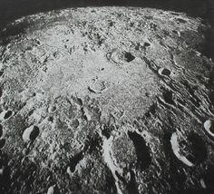 Cràter Hipparchus o aterra Tintin al centre de la imatge. Sistema Solar, Aliens On The Moon, Moon Texture, Apollo 16, Moon Projects, Nasa Space Program, Moon Surface, Planets And Moons, Astronomy Pictures
