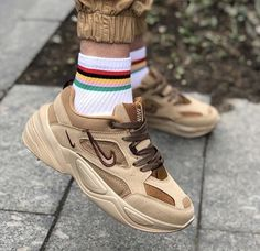 Dream Shoes, New Shoes, Shoes Uk, Sneakers Fashion, Fashion Shoes, Chloe, Dad Sneakers, Aesthetic Shoes, Hype Shoes