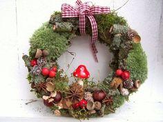 Afbeeldingsresultaat voor basteln im herbst mit naturmaterialien Christmas Makes, Winter Christmas, Christmas Wreaths, Christmas Crafts, Christmas Decorations, Christmas Ornaments, Holiday, Autumn Crafts, Nature Crafts