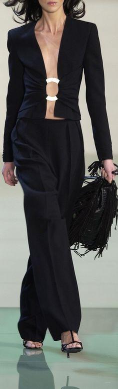 Valentino: o pormenor do casaco vale imitar , por ex, num casaco que não apresente qualquer tipo de feicho.