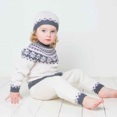 Baby Knitting Patterns Arm Sweater, pants and hat pattern by Berit Ramsland Knitting For Kids, Baby Knitting Patterns, Crochet Patterns, Double Crochet, Knit Crochet, Crochet Hats, Viking Baby, Baby Barn, Sweater Hat