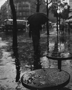 ❦ Paris street scene, 1950s.  by Herbert Tobias
