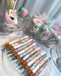 Get on trend with these awesome diy unicorn projects. Unicorn Themed Birthday Party, Unicorn Birthday Parties, First Birthday Parties, Birthday Party Decorations, First Birthdays, 5th Birthday, Princess Birthday Parties, 1st Birthday Party Favors Girl, Diy Birthday Treats