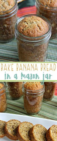 This traditional banana bread features an ingenious twist: It is baked in a canning jar! Such a fun and unique presentation makes it perfect for gifts. food gifts Banana Bread in a Jar Mason Jar Desserts, Mason Jar Meals, Meals In A Jar, Cake In Mason Jar, Mason Jar Food, Mason Jar Pies, Food In Jars, Mason Jar Recipes, Mason Jar Pumpkin