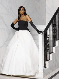 Kerry Washington goes formal as Olivia Pope gorgeous gown with gloves
