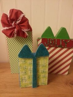 DIY Christmas decor. With foam core, scrapbook paper and ribbon?