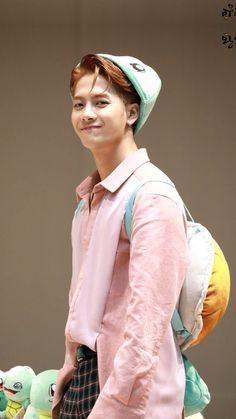 Jackson is so cute. Youngjae, Bambam, Kim Yugyeom, Got7 Jackson, Jackson Wang, Jinyoung, My Sun And Stars, Kpop, My Prince