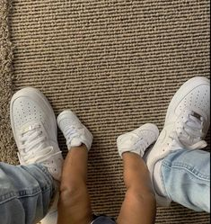 Cute Baby Boy, Cute Baby Shoes, Baby Girl Shoes, Cute Baby Clothes, Baby Boy Outfits, Cute Babies, Father And Baby, Mommy And Son, Dad Baby