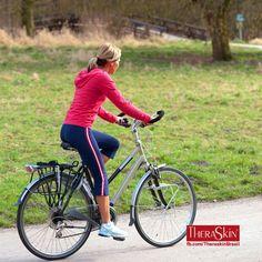 Dama En Bicicleta.